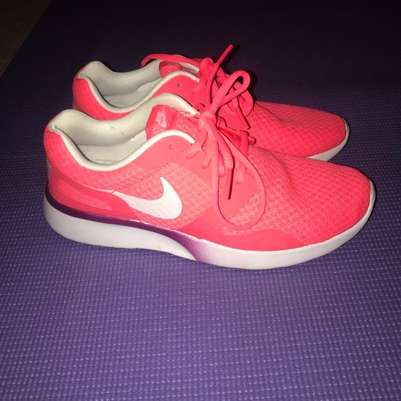 Nike Comfort Footbed Shoes Size 8
